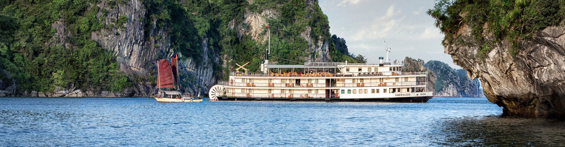 Deluxe Cruises Halong Bay