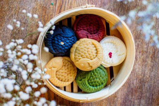 All about Vietnam's mooncakes