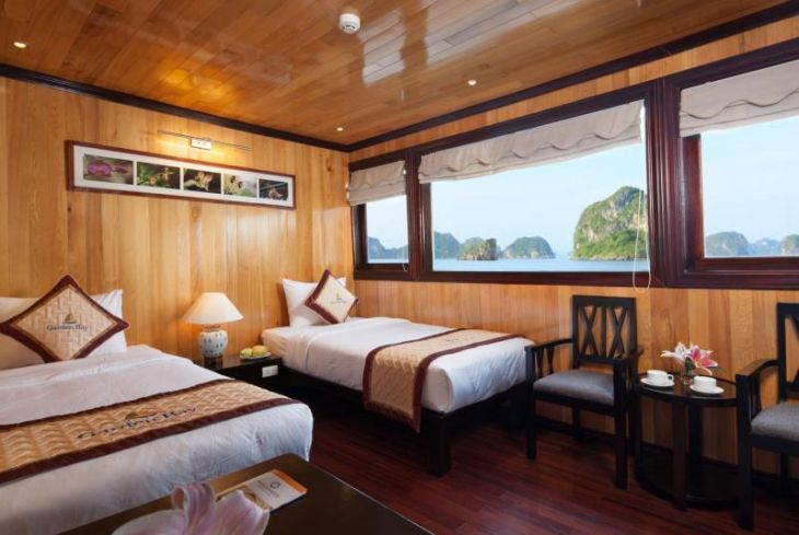 Twin bed Sea View