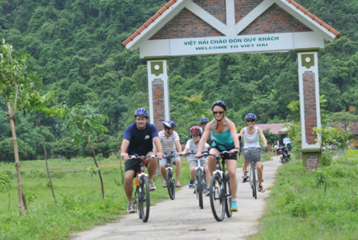 Biking in Cat Ba