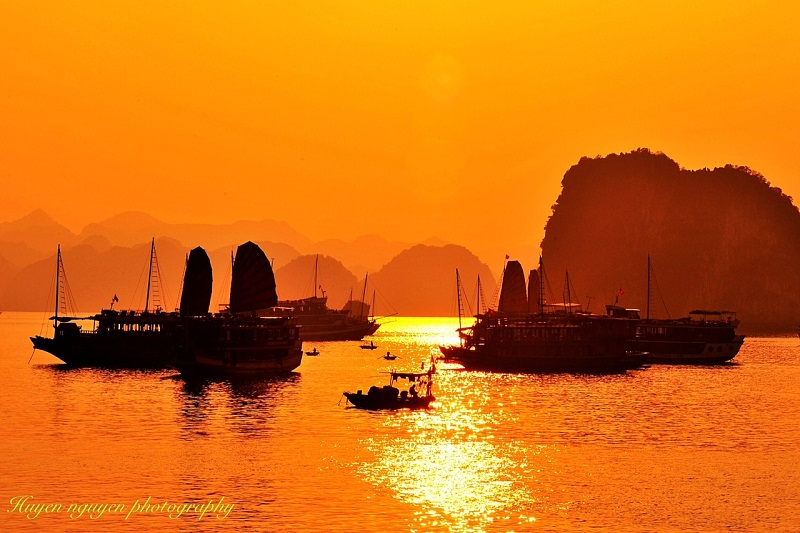 Halong Bay by helicopter