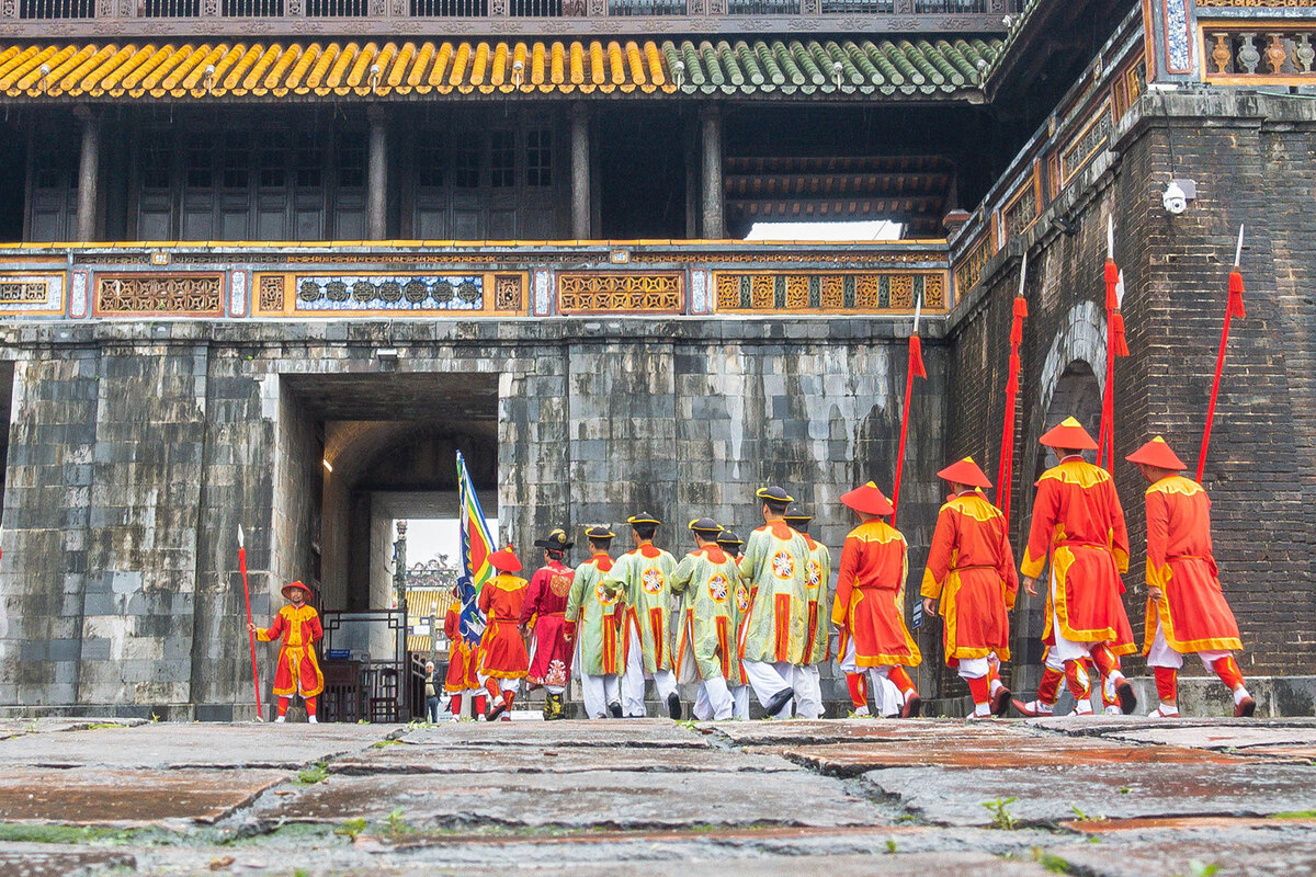 Changing of the guard at Hue Imperial Citadel pic 2