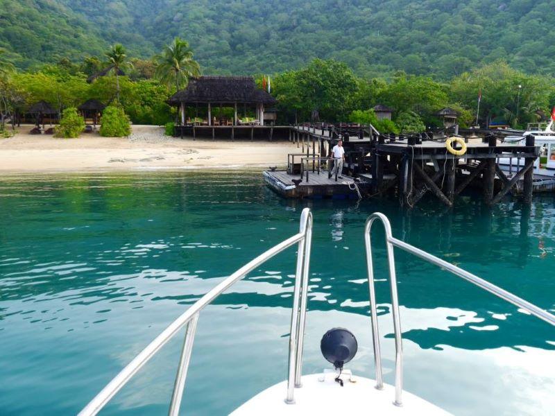 Sixsense Ninh Van Bay transfer by boat