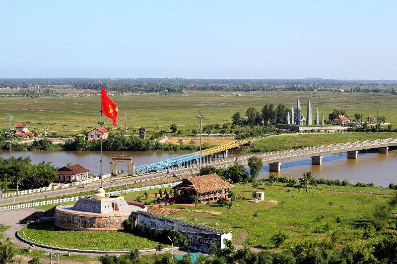 Hien Luong Bridge 30 Apr 2020