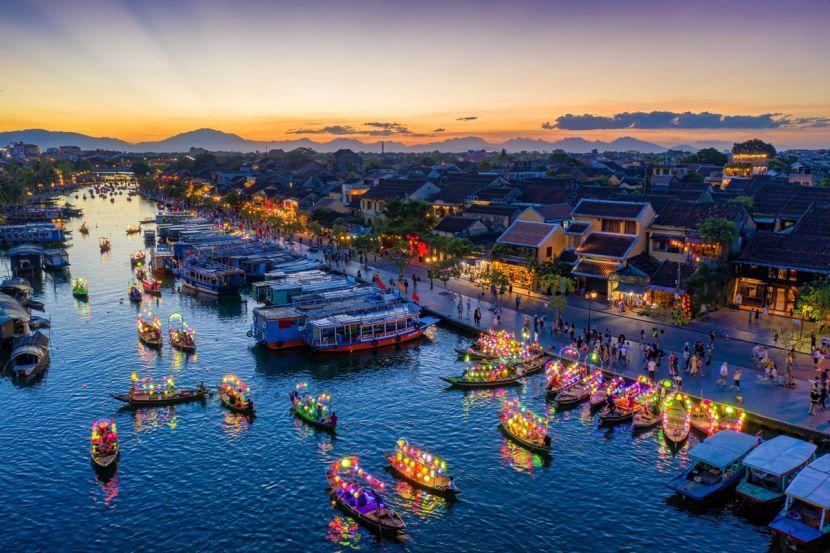 Award winning photographs present Vietnam's charm picture 1