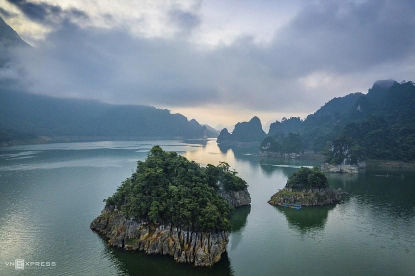 The sensory overload that is Na Hang Lake 5