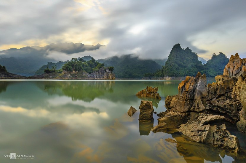 The sensory overload that is Na Hang Lake 6