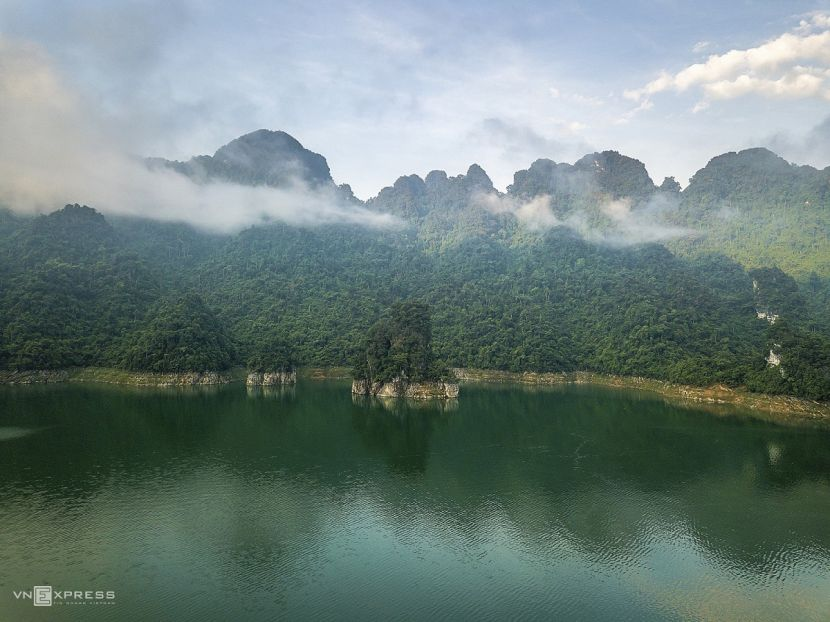 The sensory overload that is Na Hang Lake 8